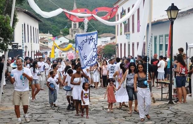 Bloco promete alegrar os foliões pelas ruas da cidade histórica (Foto: Alexandre Carvazan/Divulgação)