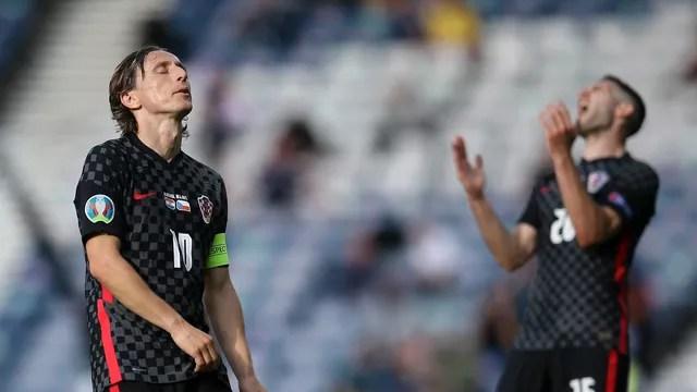 Modric e Ivanusec lamentam o empate da Croácia com a República Tcheca