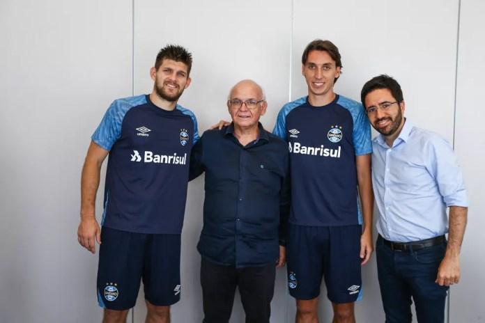 No mesmo dia do fico de Renato, Grêmio renovou com Kannemann e Geromel — Foto: Lucas Uebel / Grêmio, DVG