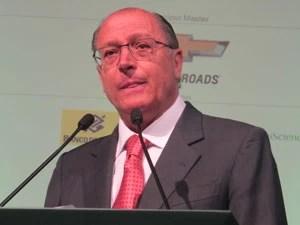 Governador participou da abertura do Congresso Brasileiro de Agronegócio nesta segunda-feira (Foto: Darlan Alvarenga/G1)