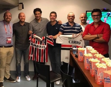 Luiz Fiorese (primeiro à esq.) em evento com Raí e Ricardo Rocha (Foto: Reprodução)