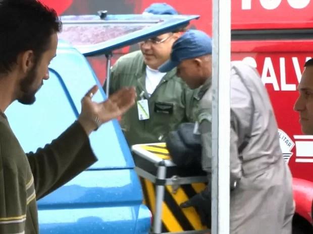 Caixa preta de avião que caiu e vitimou Eduardo Campos é localizada em Santos, SP (Foto: Roberto Strauss/G1)