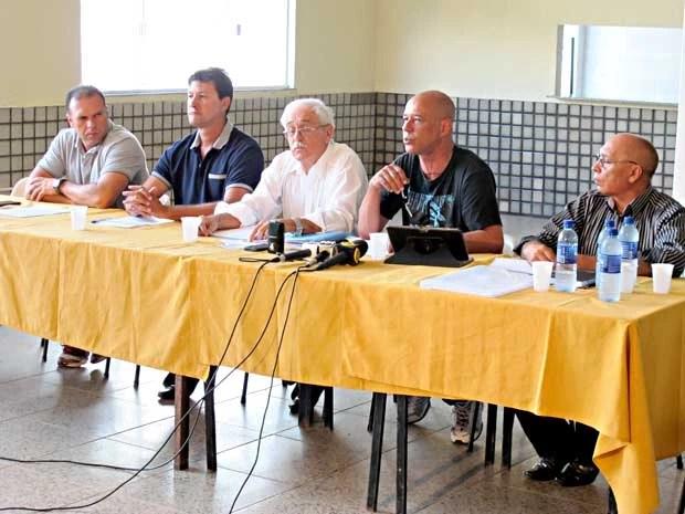 Representantes do movimento da Polícia Militar do DF durante entrevista (Foto: Lucas Nanini/G1)