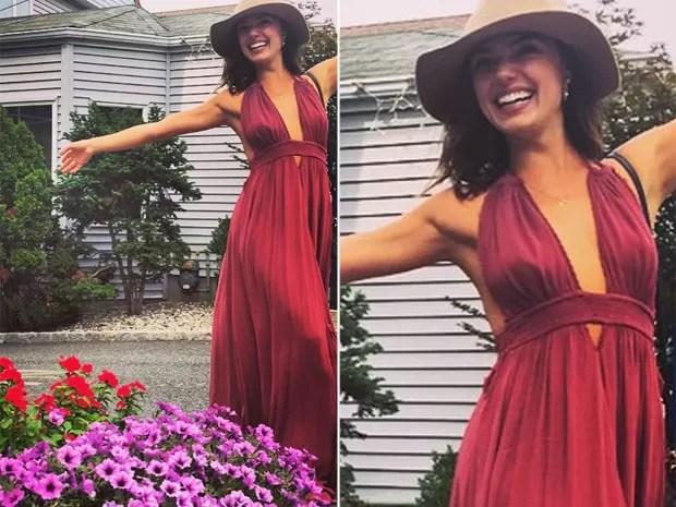 Isis Valverde posa usando vestido decotado em Nova York, nos Estados Unidos (Foto: Instagram/ Reprodução)