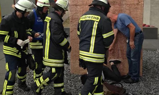 Resgate bizarro ocorreu na cidade de Tübingen (Foto: Reprodução/Imgur/Erick Guzman)