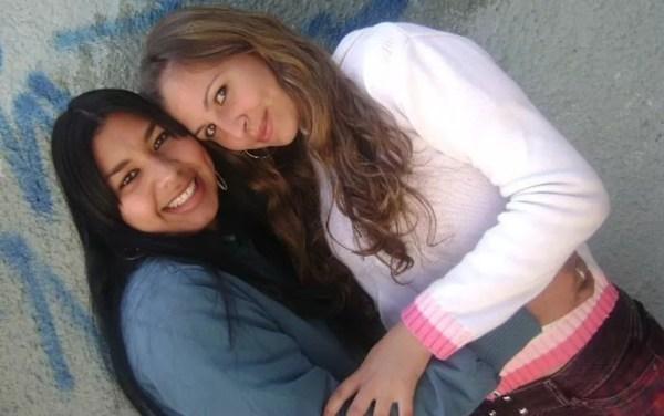As amigas Eloá Pimentel e Nayara Rodrigues em foto antes do sequestro em 2008 que tirou a vida da primeira e feriu a segunda  — Foto: Reprodução/Arquivo pessoal