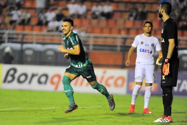 Willian marcou na vitória contra o Santos, na primeira semifinal do Paulistão (Foto: Marcos Ribolli)
