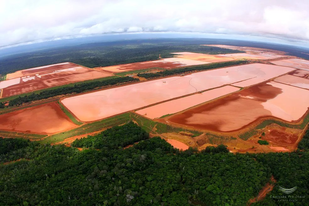 Barragens da Mineração Rio do Norte no Pará em abril de 2016 — Foto: Carlos Penteado/CPI-SP