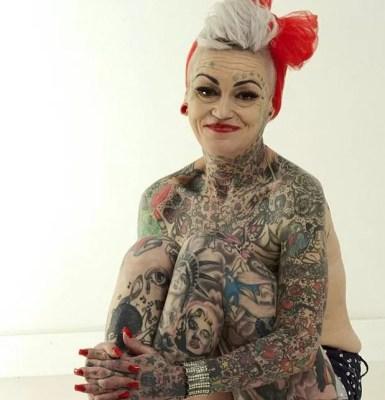 Mãe de dois filhos, Brignall começou a tatuar o corpo após um divórcio traumático  (Foto: Reprodução/Facebook/ Amanda Brignall)