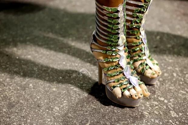 Detalhe do pé da Quitéria Chagas (Foto: Marcos Serra Lima / Ego)