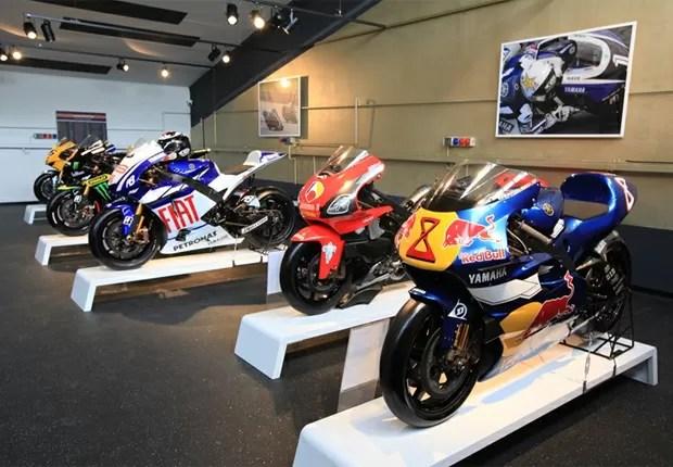Motos mais novas, como a M1 de Jorge Lorenzo, também estão presentes (Foto: Divulgação)
