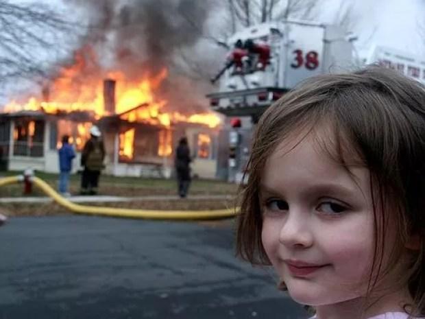 Disaster Girl foi vendida por US$ 473 mil (Foto: Reprodução/Know Your Meme)