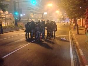 Batalhão de Choque entra em confronto com manifestantes (Foto: Priscilla Souza/G1)