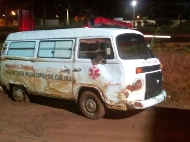 Ambulância foi furtada em Colina (Foto: Julião Pitbull/Olímpia 24 horas)