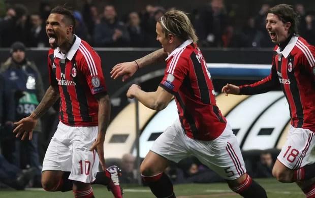 Boateng comemora, Milan x Barcelona (Foto: AP)