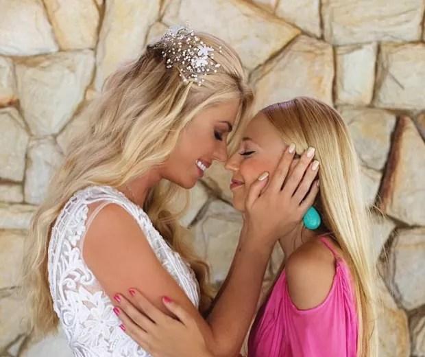 Caroline Bittencourt e a filha, Isabelle (Foto: Reprodução/Instagram)