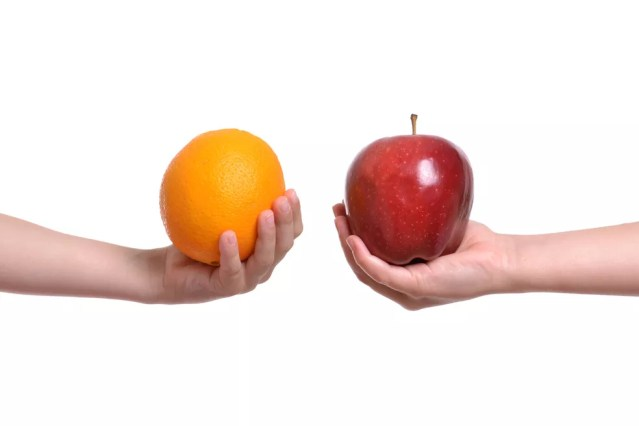 A laranja deve ser consumida com o bagaço e a maçã, com casca, preferencialmente — Foto: Istock Getty Images