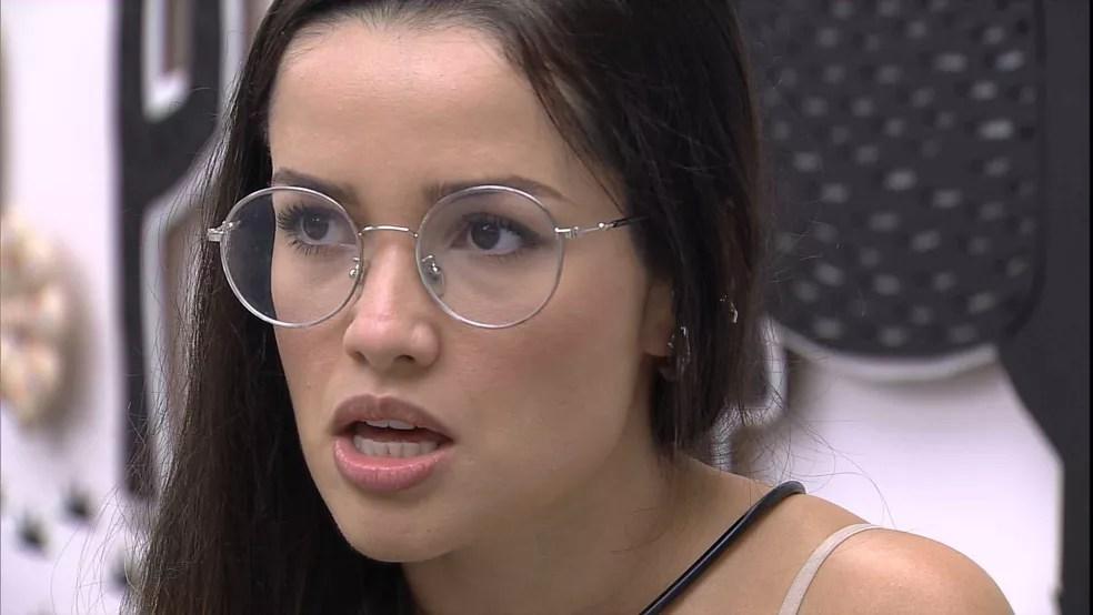 BBB21: Juliette dispara para Sarah e Gilberto: Achar que é o 'jogadorzão' é um tiro no pé'  — Foto: Globo