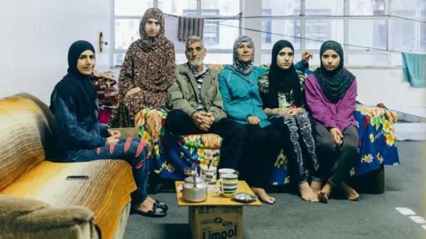 Sem dinheiro para aluguel, alguns sírios vivem em ocupação em São Paulo (Foto: Gabriel A. l BBC Brasil)