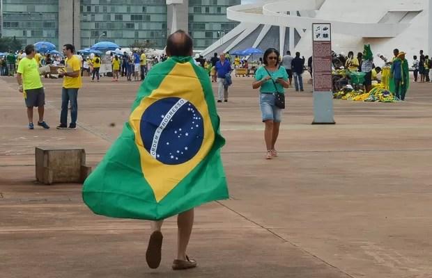 Manifestantes se reúnem na Esplanada dos Ministérios em Brasília para protestar contra o governo Dilma Rousseff (Foto: Wilson Dias/Agência Brasil)