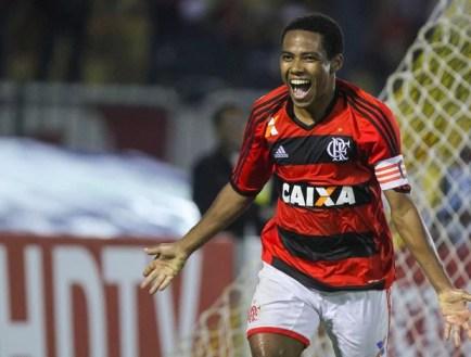 Elias gol Flamengo x ASA (Foto: Ide Gomes / Ag. Estado)