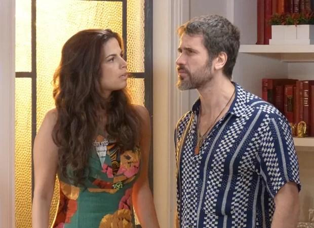 Dandara não consegue entender a fúria de Gael (Foto: Malhação / TV Globo)