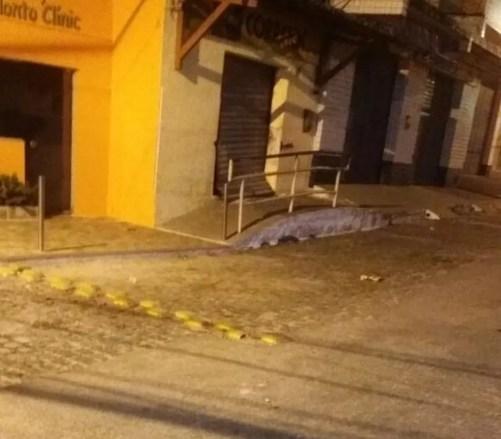 Bandidos arrombam agência dos Correios em Espírito Santo (Foto: Alexsandro Santiago)