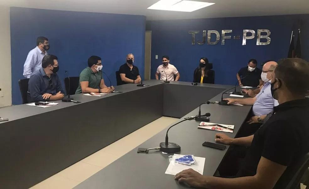 Reunião na última segunda-feira definiu o cancelamento do Campeonato Paraibano — Foto: Divulgação / FPF