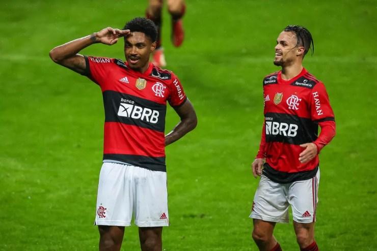Vitinho Michael Flamengo — Foto: Pedro H. Tesch / Flamengo