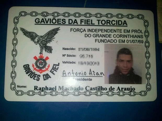 Carteira da Gaviões da Fiel de Raphael Castilho, baleado na Bahia (Foto: PM/ Divulgação)