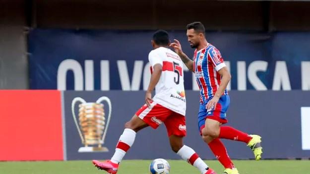 Gilberto em ação no estádio de Pituaçu
