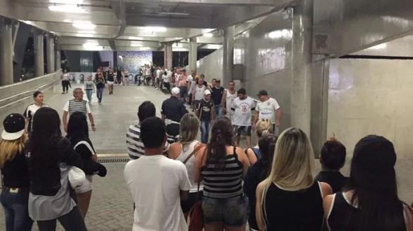 Torcedores Corinthians Maracanã (Foto: Raphael Zarko)