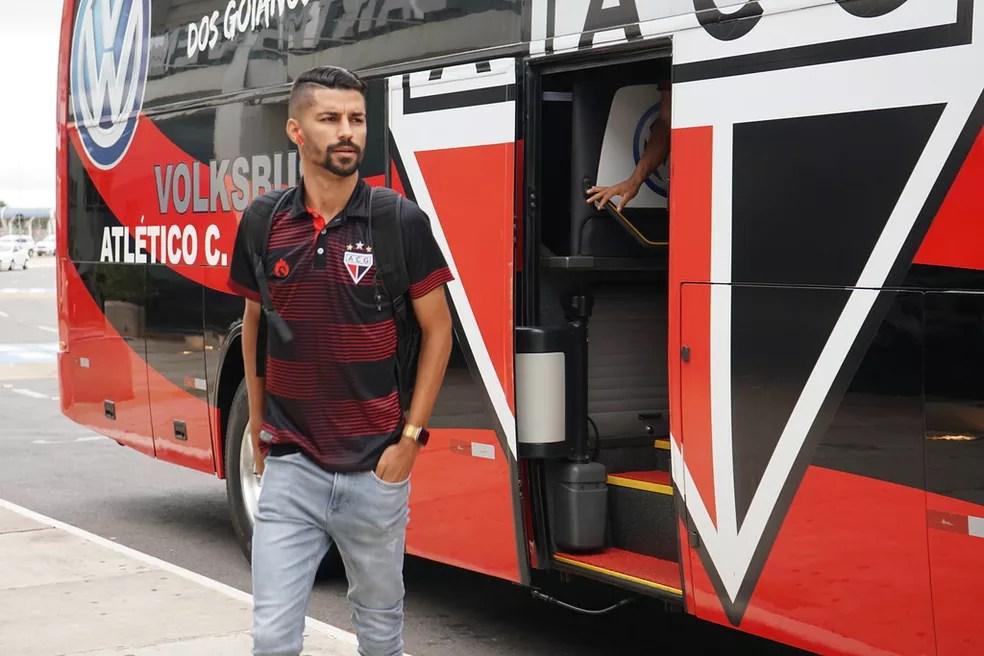 Jorginho não viajou para enfrentar o Fluminense — Foto: Paulo Marcos / Atlético-GO