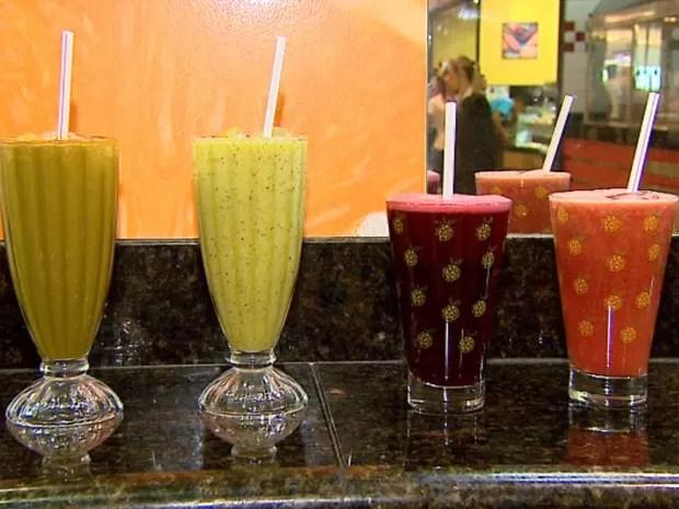 Bebidas devolvem ao corpo os nutrientes perdidos com a desidratação causada pelo álcool (Foto: Claudio Oliveira/EPTV)
