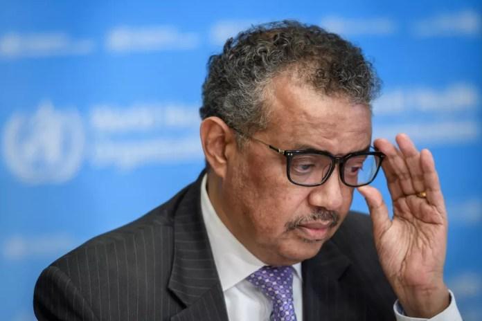 O diretor-geral da OMS, Tedros Adhanom Ghebreyesus, em coletiva nesta segunda-feira (9). — Foto: Fabrice Coffrini / AFP