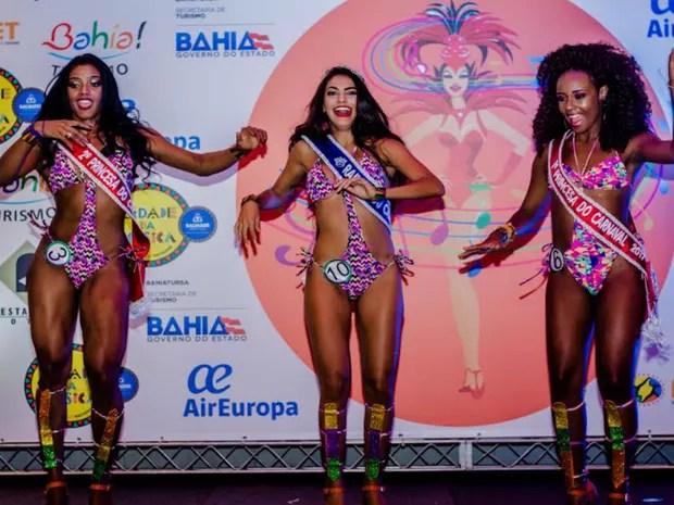 Milena Além Fonseca, no centro, foi eleita a Rainha do Carnaval de Salvador 2017 (Foto: Divulgação)