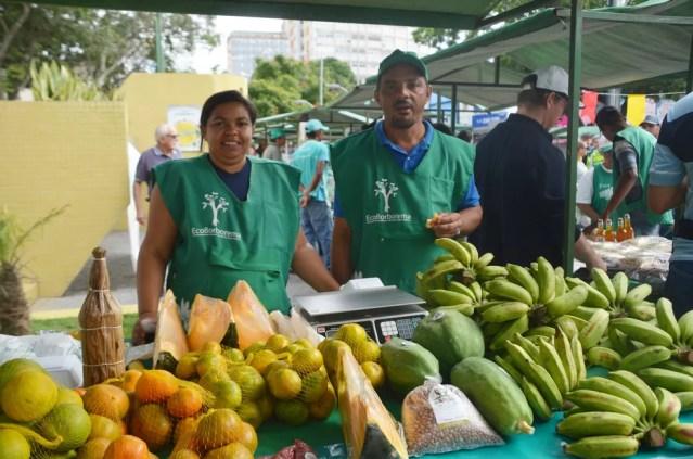 A 13ª Feira Agroecológica contou com uma estrutura de mais de 20 barracas, com cerca de 30 agricultores da Paraíba (Foto: Érica Ribeiro/G1)