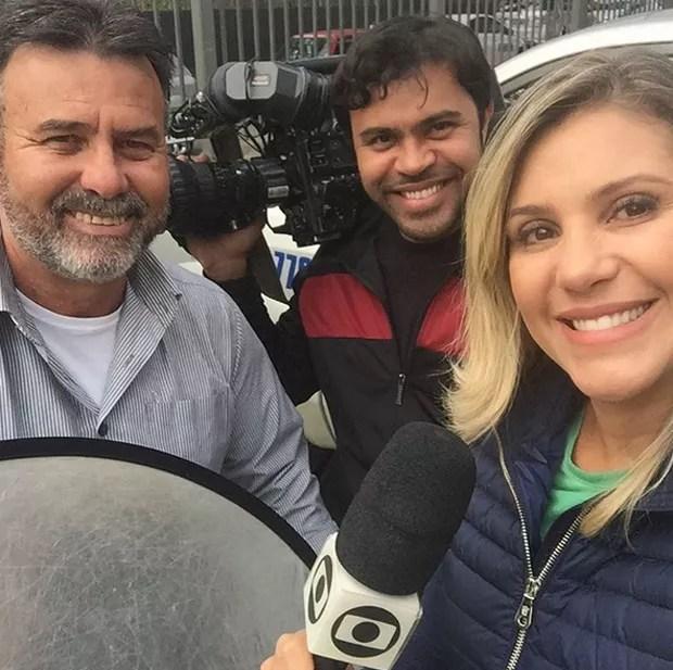 Flávia Freire e colegas de trabalho (Foto: Reprodução / Instagram)