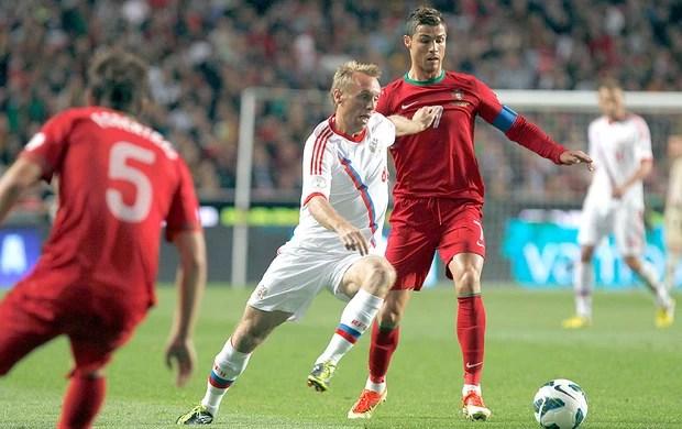Cristiano Ronaldo jogoPortugal contra Rússia (Foto: Reuters)