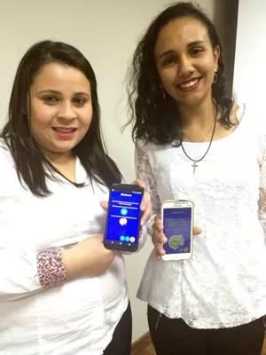 Prisciane e Raíssa apresentaram na Facec, em Varginha, aplicativo'ZikaZoom' (Foto: Raíssa Cogo/ZikaZoom)