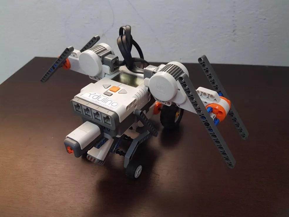 Protótipo de drone tem três sensores e três motores (Foto: Divulgação/Rodrigo Costa)