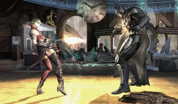 Arlequina luta contra Batman em cena de 'Injustice' (Foto: Divulgação/Warner Bros.)