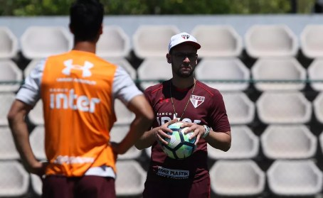 Lucas Silvestre, auxiliar técnico do São Paulo (Foto: Rubens Chiri / saopaulofc.net)