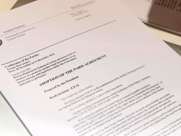 Proposta final de texto da COP 21 agora é analisada pelos representantes de 195 países (Foto: Miguel Medina/AFP)