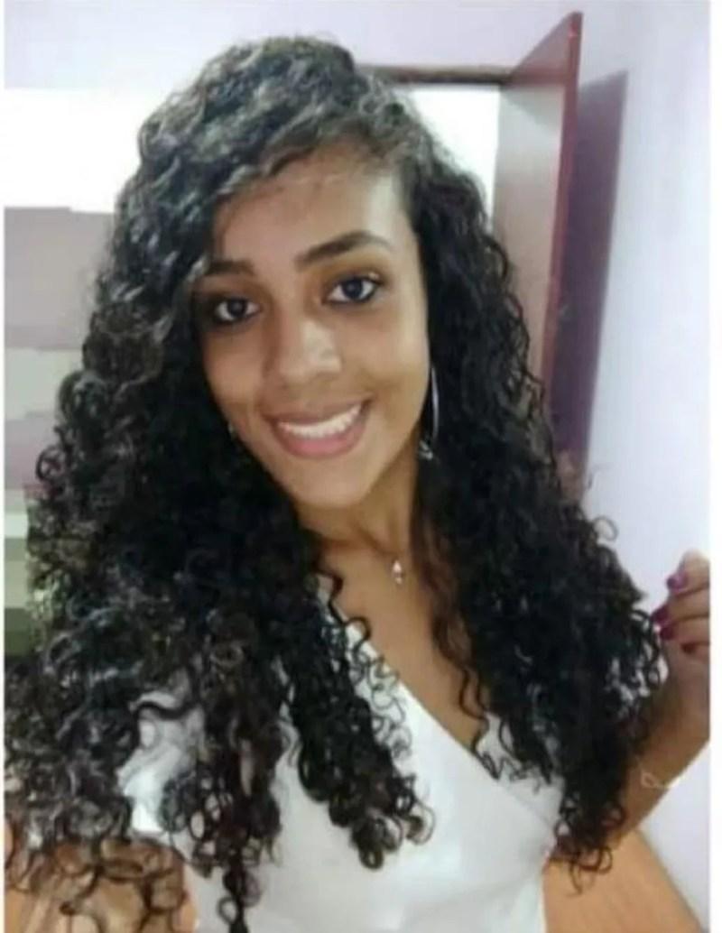 Morta pelo ex-namorado, Thaís Fernanda Ribeiro completou 21 anos no último dia 8 — Foto: Arquivo pessoal