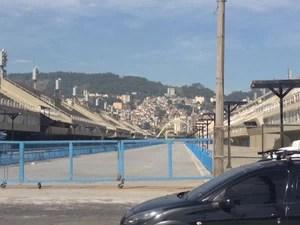 """Sambódromo faz parte do roteiro do projeto """"Caminhando por negras geografias no Centro do Rio""""  (Foto: Mariucha Machado / G1)"""