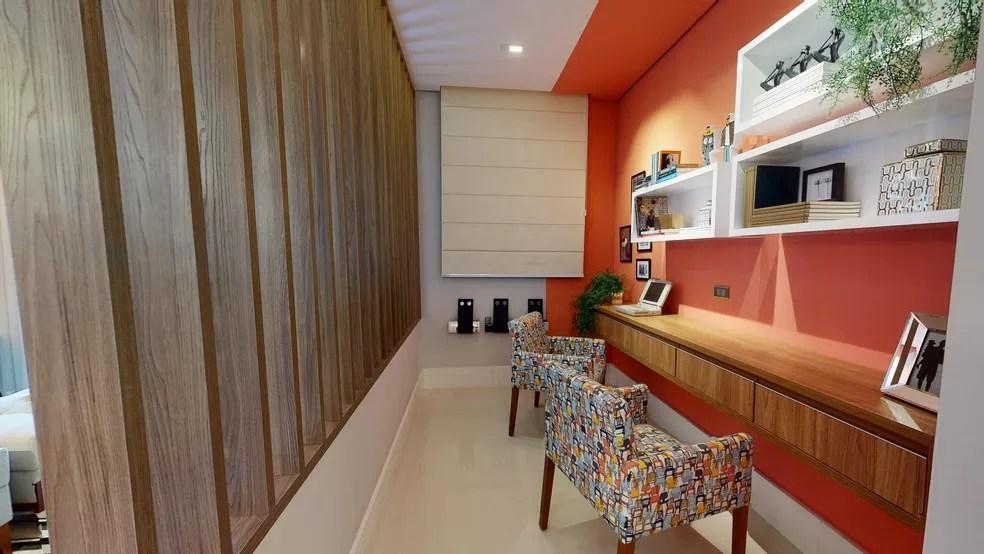 Decorado conta com espaço especial para o home office — Foto: Alvoradas Arboville