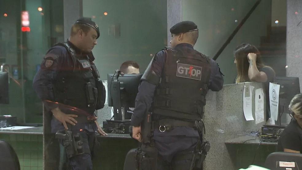 Policiais militares registram ocorrência de agressão em bar no DF — Foto: Reprodução/TV Globo