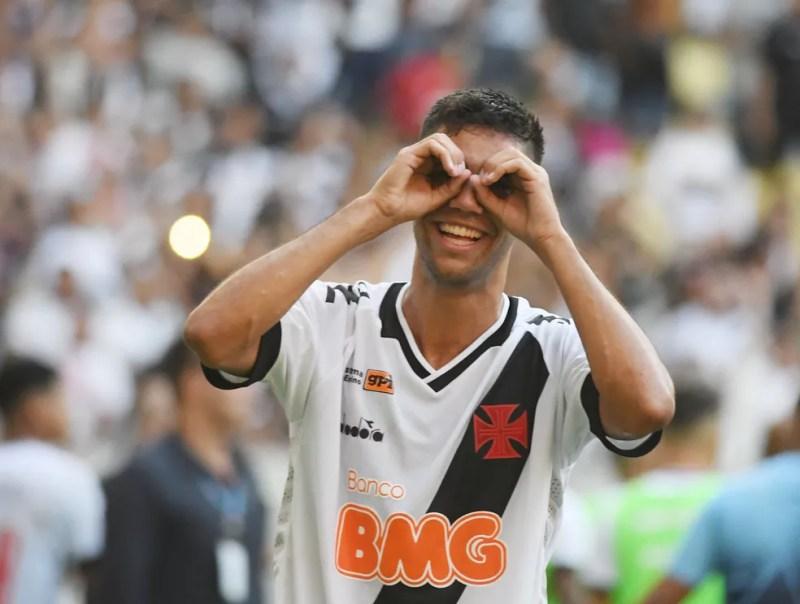 Tiago Reis comemora gol pelo Vasco sobre o Flamengo — Foto: André Durão
