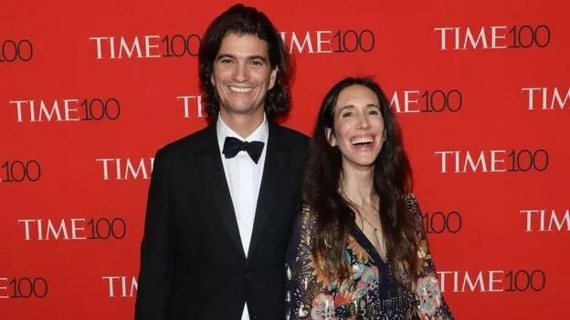 BBC - Adam e Rebekah Neumann: casal decidiu reduzir participação na operação do WeWork após pressão de investidores (Foto: GETTY IMAGES)